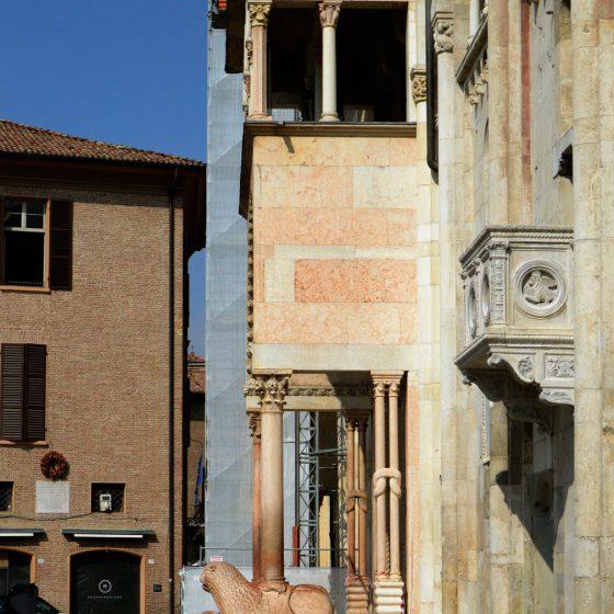Modena Duomo showing subsidance