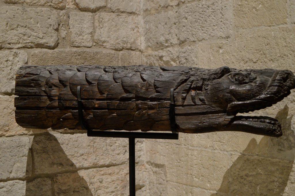 Avignon - Pont Des Palais, Fish Carving