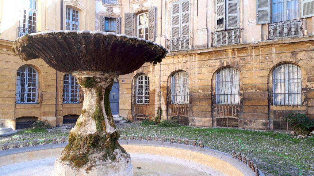 Aix-en-provence fountain