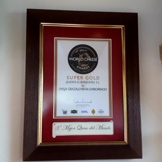 El Bosqueno world super gold award winning goat's cheese