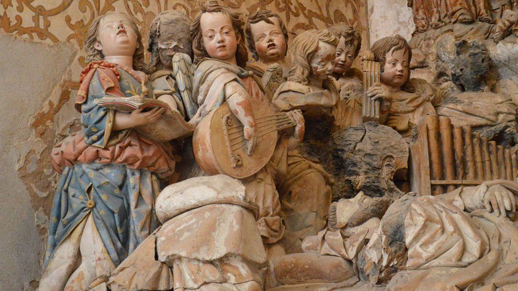 Alcobaca Monastery - ceramic scene in chapel