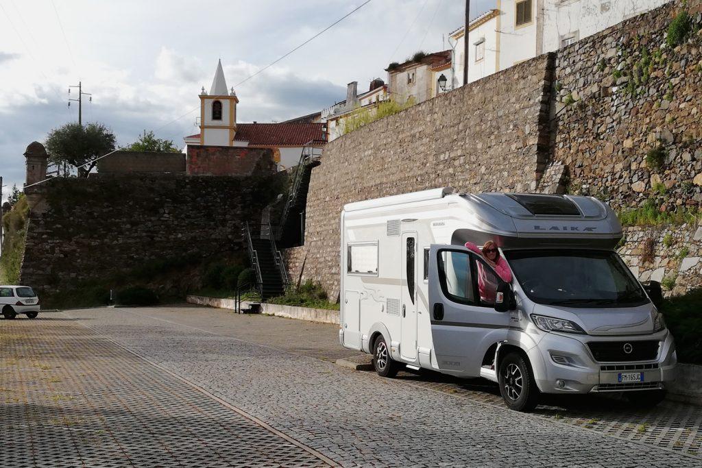Castelo de Vide - Buzz parked by town wall