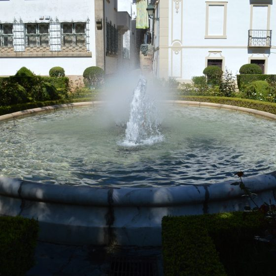 Castelo de Vide - Town center fountain