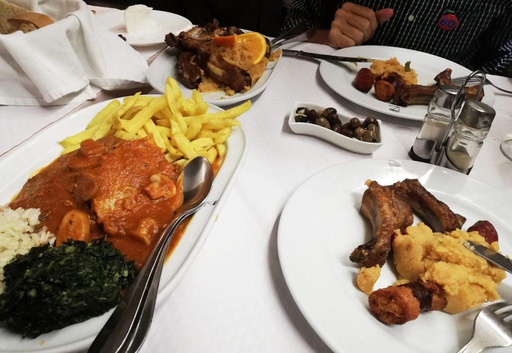 Castelo de Vide - Migas and ribs + Pork & mushroom sauce