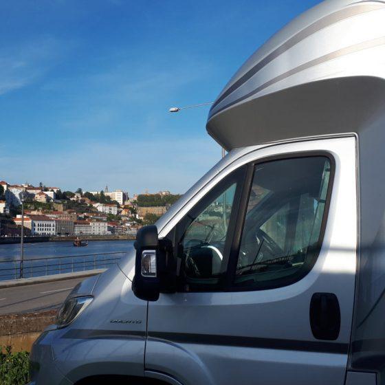 Porto - Buzz Laika admires the Rio Douro