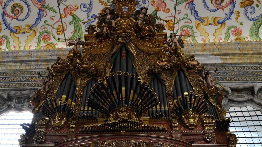 Coimbra - St Michaels Chapel organ
