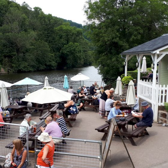 Symonds Yat riverside cafe serving drinks and ice creams