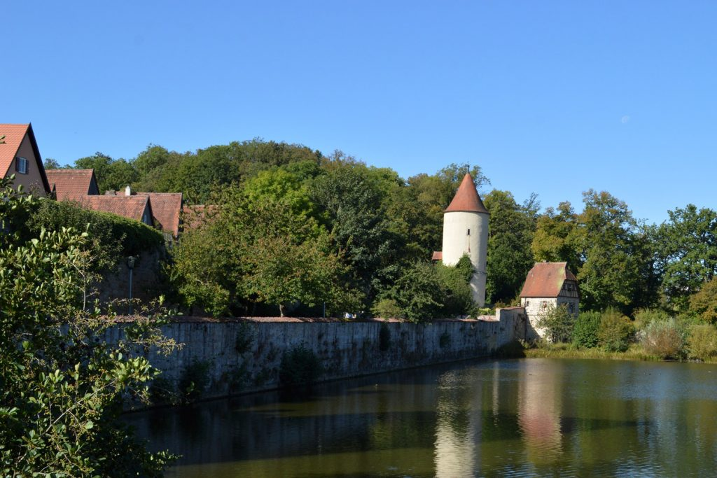 The lake just out side Dinklesbuhl town wall