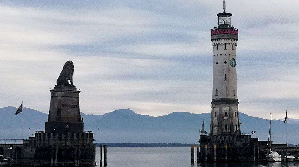 Lindau harbour entrance - lighthouse and Lion of Bavaria statue