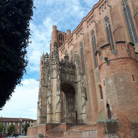 Side view of Albi cathedral