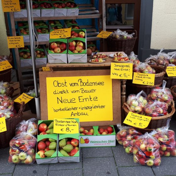 Meersburg local apples for sale