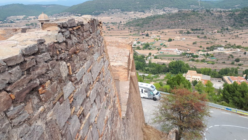 The perfect motorhome sized lay by for Buzz on the road to Cardona Castle