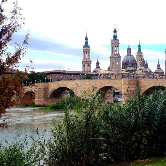 Zaragoza's old stone bridge - Puente de Piedra